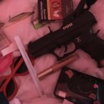 銃&セクシー無料高画質iPhone壁紙